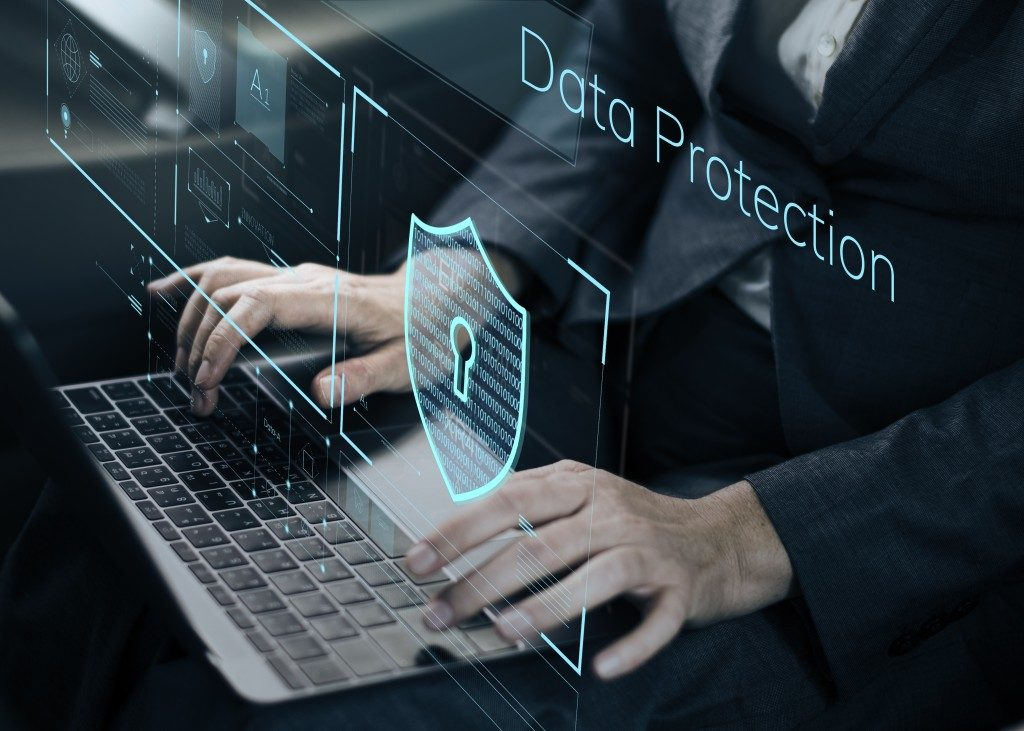 data protection in virtual screen